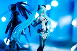 Hatsune Miku Append Side by KuroDot