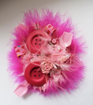 Feeling pink brooch by queenofexecutions
