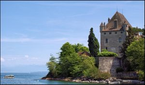 Yvoire castle by LiveInPix