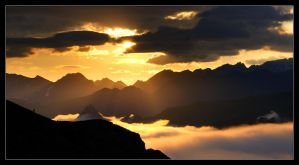 Pyrenees Sunrise by MattAnth