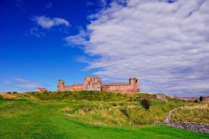 Tantallon Castle by artismagica