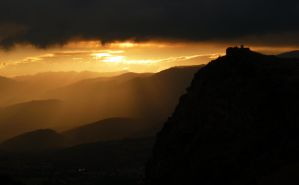 Sunset in the Pyrenees by Noirro