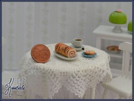 Roll cake in 1:12 scale by Seatear
