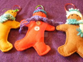 Felt gingerbread men decorations - handsewn by moonwolf17