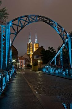 Tumski Bridge and Cathedral by tgielbutowicz