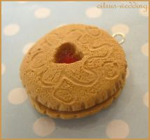 jammy dodger charm by citruscouture