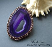 Violet agate pendant by Pastely