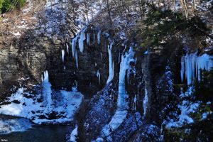 Giant Icicles by Spritezy