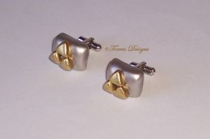 Triforce CuffLinks Legend of Zelda OOAK Custom #3 by TorresDesigns