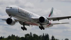 Emirates 777 Flyby by shelbs2