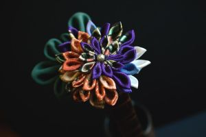 Autumn at last...tsumami kanzashi. by hanatsukuri