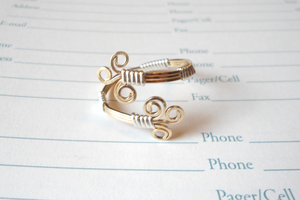 Swirlydoo Ring by merelei