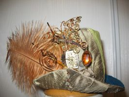 Mini Steampunk-Victorian Hat by thedelicateterror
