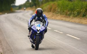Keen Kneen by Gilly71