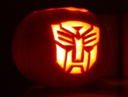 Autobot Pumpkin by mikedaws