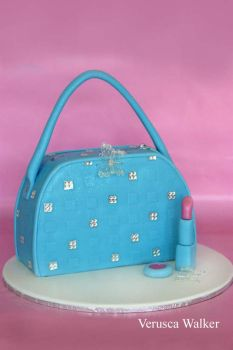 Blue Bag 3D Cake by Verusca
