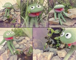 Clyde Frog by Darthpolly