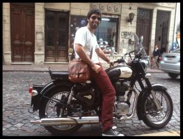 Royal Enfield by neisbeis