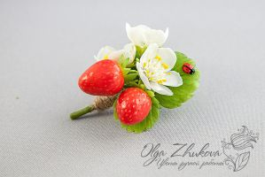 Brooch with berries and flowers strawberries by polyflowers