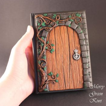 Secret door journal by MerryGreenKiwi