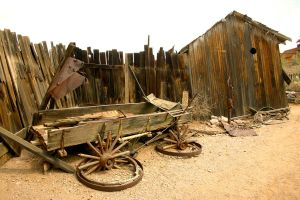Old Wagon by terryrunion