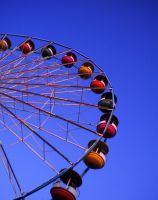 Here Comes The Ferris Wheel by Jade-Encrusted-Bugs