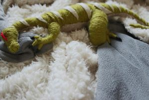 Heavy Claw Nap by depcow