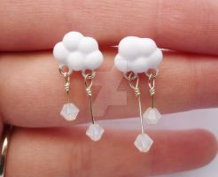 Snow Cloud Earrings by sagicornDreams