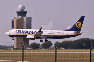 Ryanair landing at Budapest by Skyrover