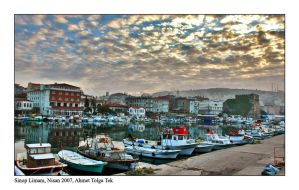 Sinop Harbour by thespis1