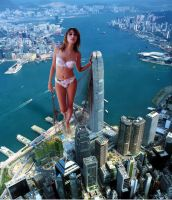 Giantess arrives in Hong Kong by Accasbel