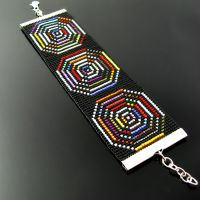Hypnotizing bead loomed bracelet by CatsWire