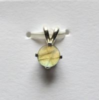 Labradorite Solitaire pendant by lamorth-the-seeker
