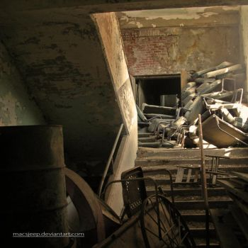 Cluttered Stairs by macsjeep