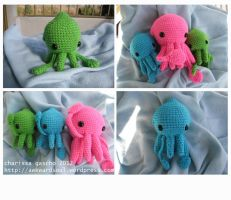 - Amigurumi Squidlings - by awkwardsoul