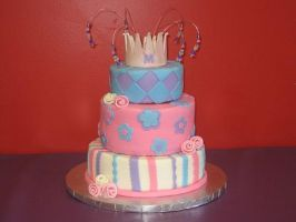 girly princess crown cake by pinkshoegirl