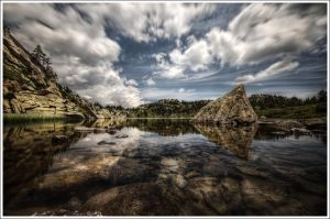 Balleul's Lake by Graphylight