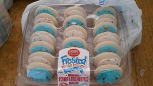 Sugar frosted cookies by 8TeamFriends8