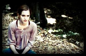 the way she sits... by x--photographygirl