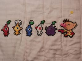 Super Smash Bros 4 Olimar and Pikmin Bead Sprites by MechaPoltergeist