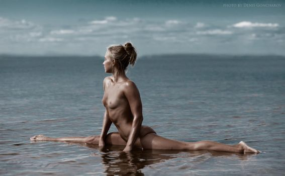 body language on the water by DenisGoncharov