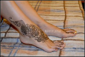 traditional mehndi in foot by Gaspina