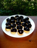 Profiteroles by bahgee