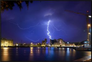 Lightning over Malmoe.. by Exparte-se