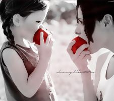 renesmee and bella. by rihannanavyrules