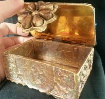 Cuttlefish Jewelry Box Open by Rin-Metis