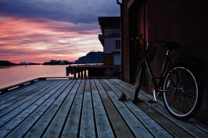 Bike one the docks by kaffepausen