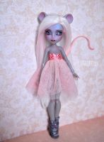 OOAK Custom Mouscedes King repaint and reroot by Katalin89