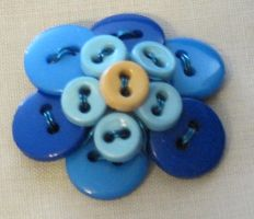 Button Flower 2 by beadguru