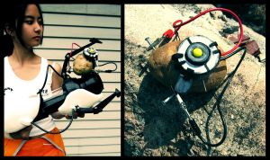 Portal2 Cosplay: potato GLaDOS by marimbamonkey14